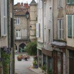 La tour ronde et les ruelles de Saint Léonard de Noblat